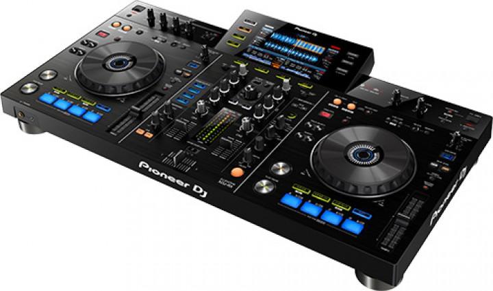 pioneer xdj rx controller mediaplayer und dj controller. Black Bedroom Furniture Sets. Home Design Ideas