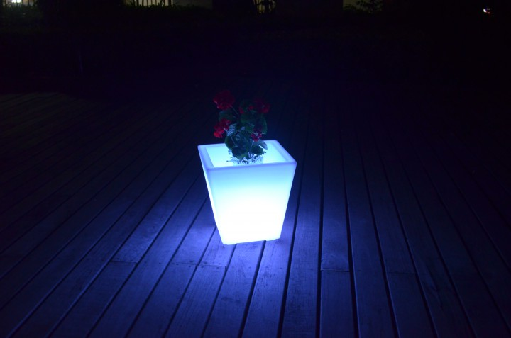 7even led design blumentopf led vase flower pot t39 x. Black Bedroom Furniture Sets. Home Design Ideas